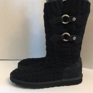 UGG BOOTS Knit w/buckle details Size 6 EUC